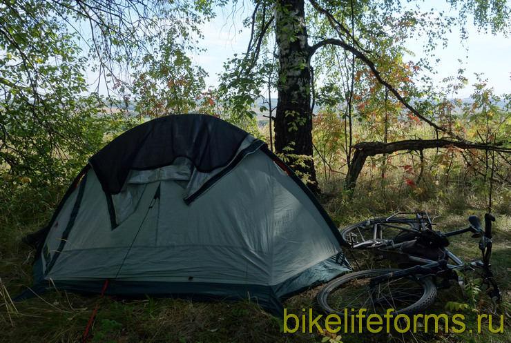 легкая и удобная палатка для велотуризма