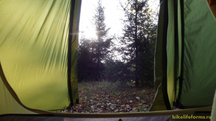 "Вид из ""окна"" палатки"