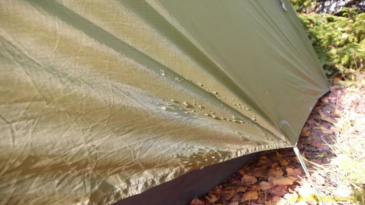 Капли росы на палатке