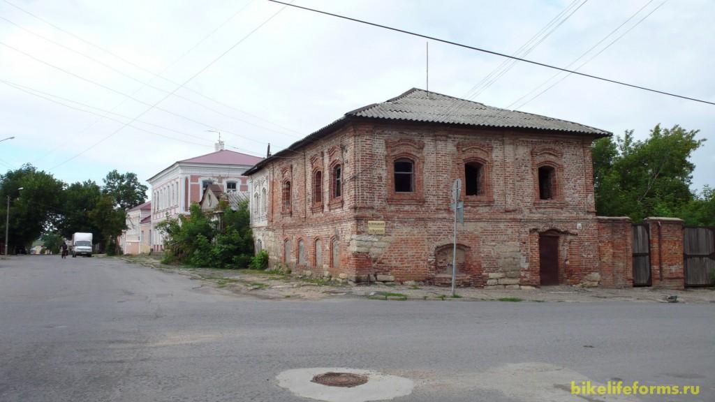 Вообще Елец порадовал нас своими старыми зданиями и тихой домашней атмосферой провинциального города.