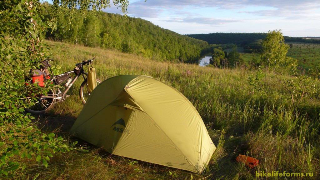 И ночуйте прямо в палатке, как мы.