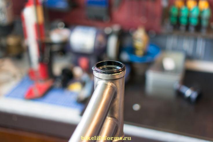 Установка чашек рулевой колонки в раму