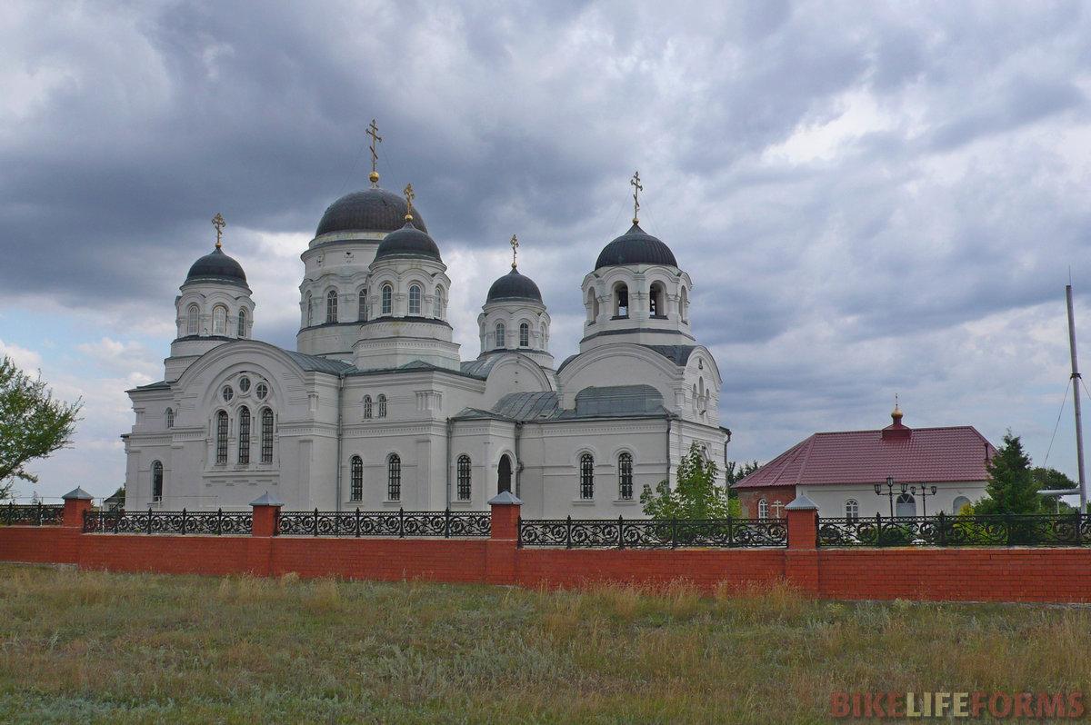 Церковь св. Николая в селе Масловка.