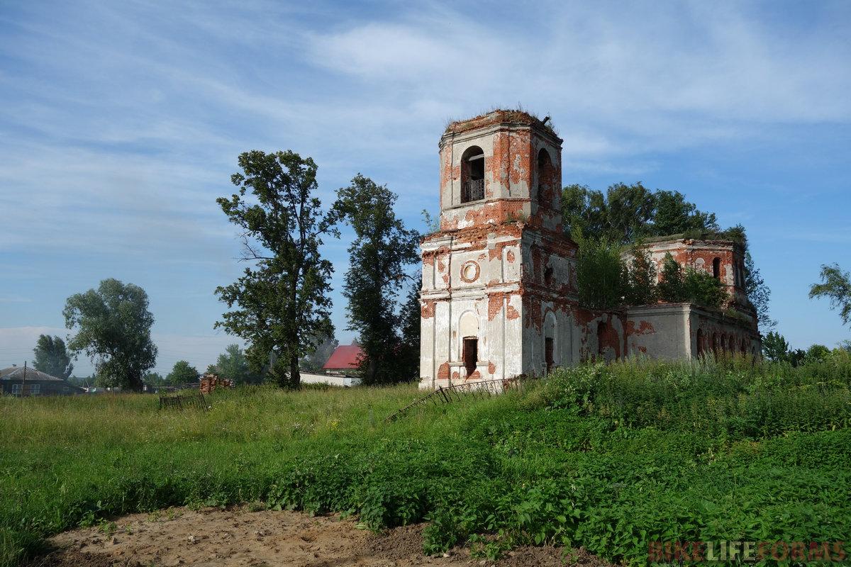 Досчатое, развалины храма
