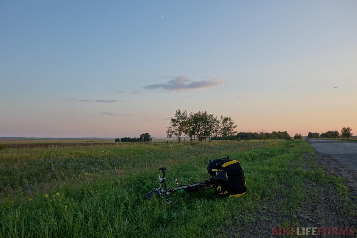 тихий вечер под Луной. К востоку от Оконешниково