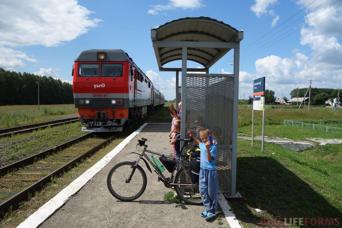"""ТЭП70БС-186. Дети почему-то называют поезд """"пряха"""""""