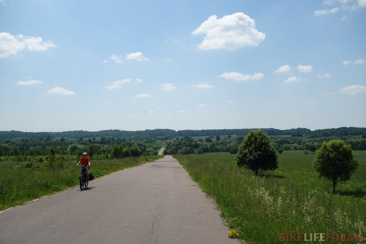 местность изрезана пологими балками и малыми долинами