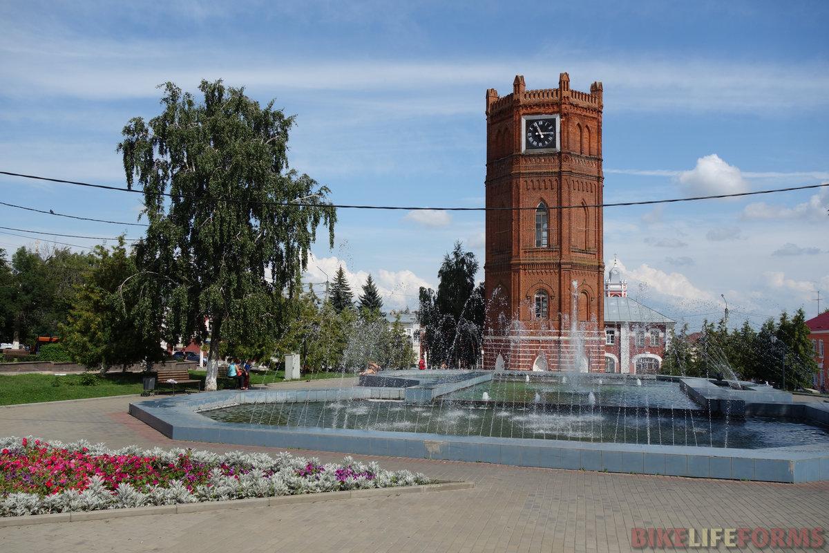 водонапорная башня, 1868. А часы приладили в 1975