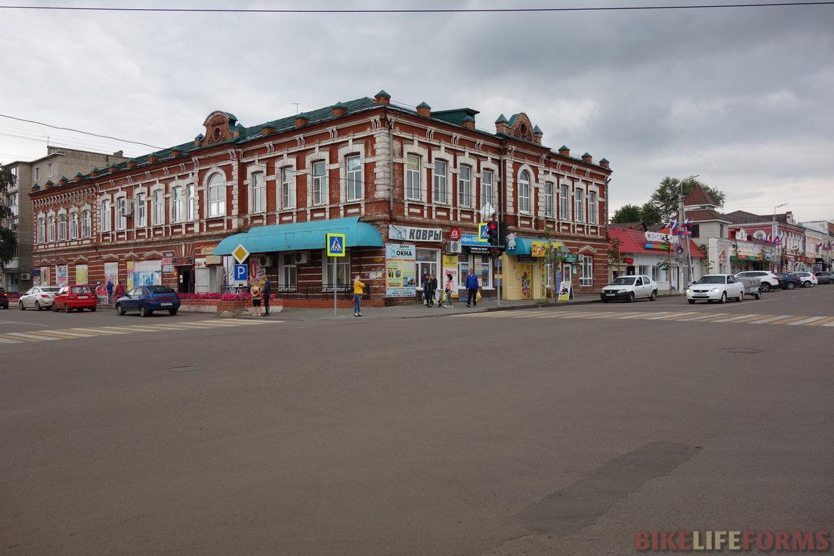Кирсанов - городок мещанский и ничем сходу не выделяющийся