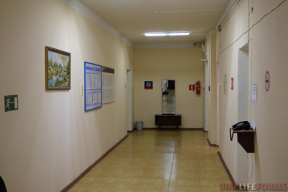 в итоге остановился в комнате отдыха пассажиров второстепенного вокзала Балашова
