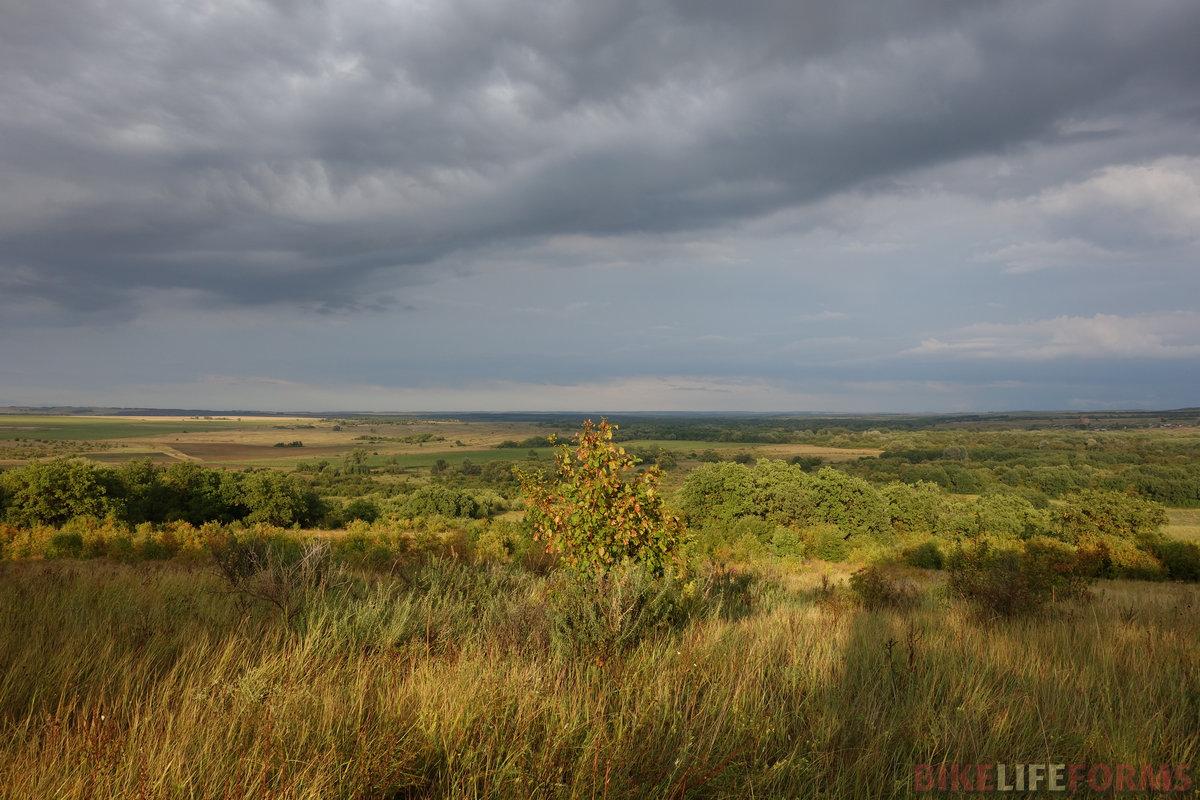 """...и, полюбовавшись озарённой долиной, я решил """"перелезать"""" в Саратовскую область другим берегом Медведицы"""