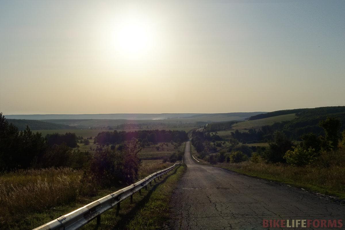медленно забирая вверх, я всё оборачивался назад, провожая взглядом эти красивейшие места...