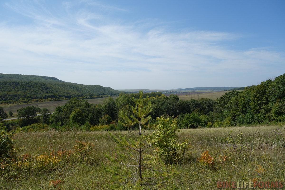водораздельные холмы, вид в сторону с. Тёпловка
