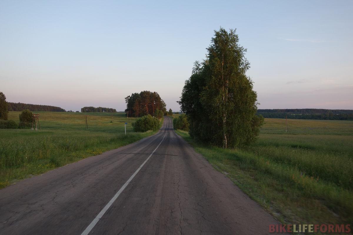 шоссе где-то у Лукавицы