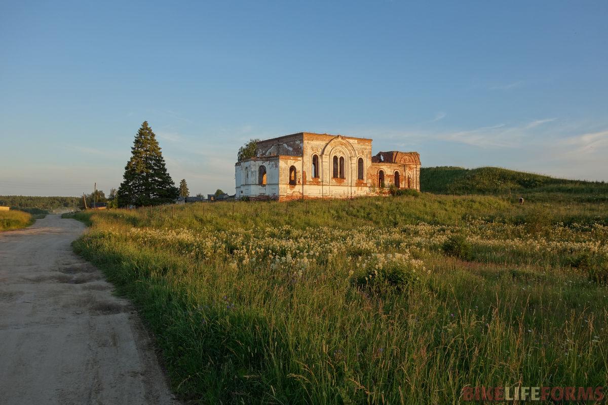 развалины храма в Прошково