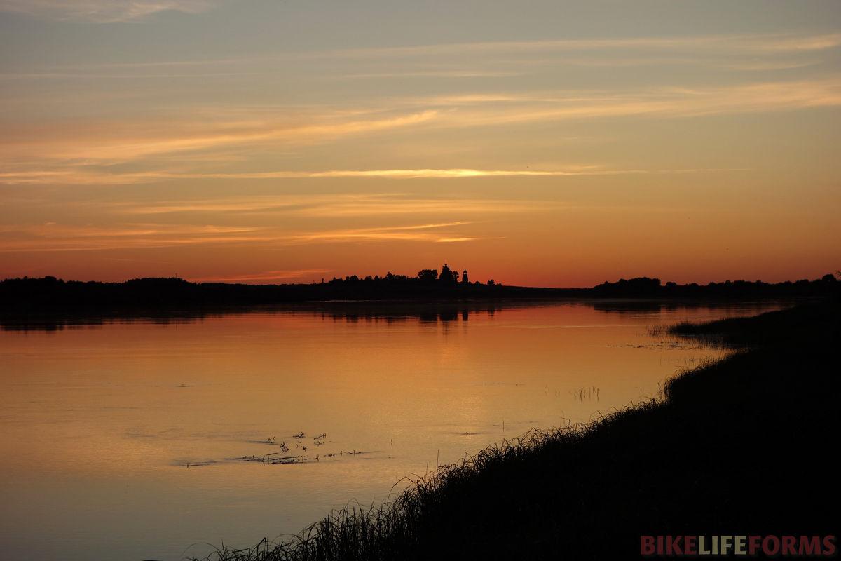 летний закат на Онеге