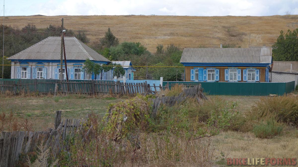 домики со ставнями